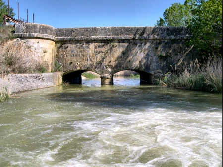 Acueducto sobre el Valdeginate