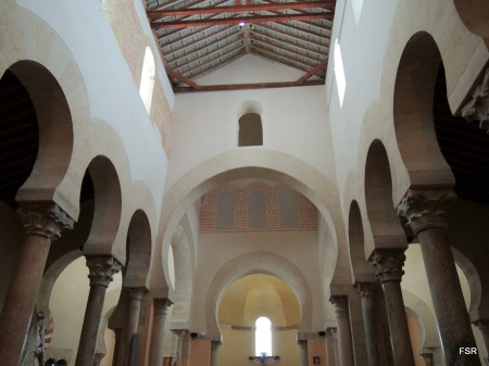 Interior de la iglesia de San Cipriano