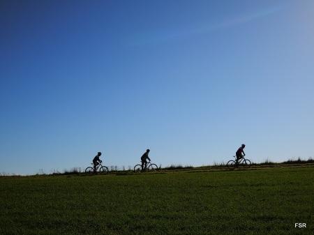 Nos cruzamos con estos ciclistas que venían de Hornillos